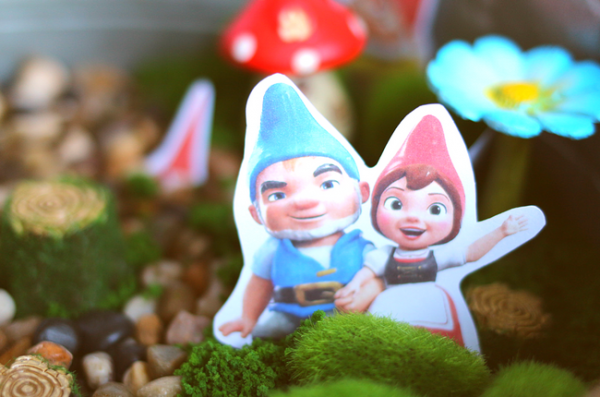 #ad Sherlock Gnomes Fairy Garden (4)