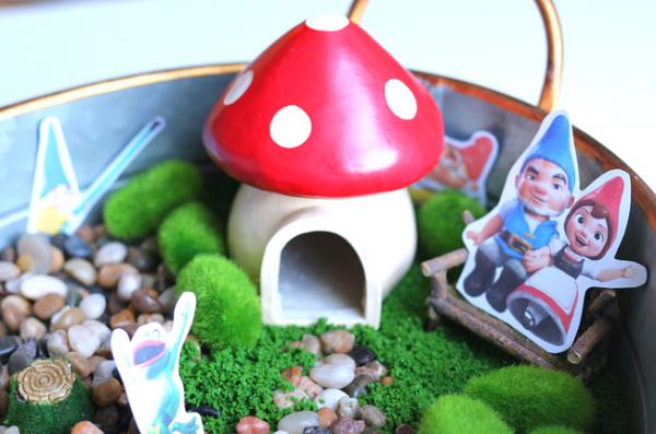 #ad Sherlock Gnomes Fairy Garden (5)