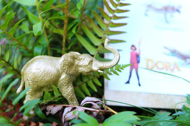 Spanish Language Animal Scavenger Hunt Inspired by Dora And